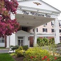 Williams Inn Boar's Head Christmas Celebration