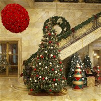 view images the breakers at christmas