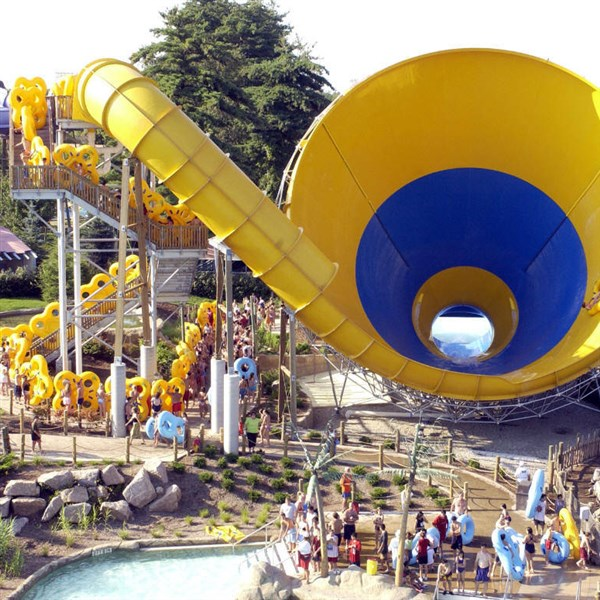 Six Flags New England Check Out The Springfield Hotel Deals For Sheraton Monarch Place