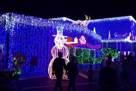 Light Up! Mount Dora